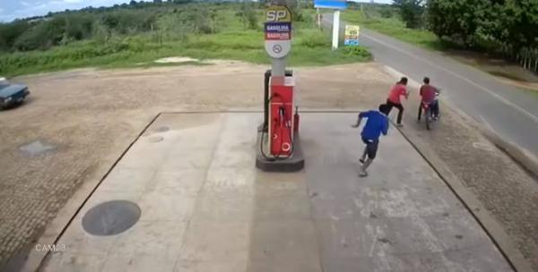 Frentista reage assalto com facão em posto de combustível em Piripiri